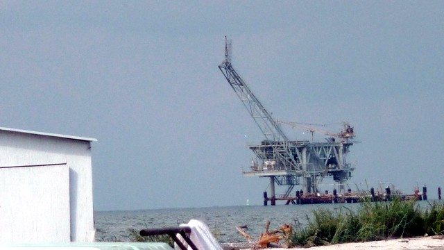 Another rig in Mobile Bay, AL