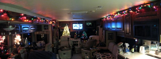 Decorating the Rig for Christmas 2008
